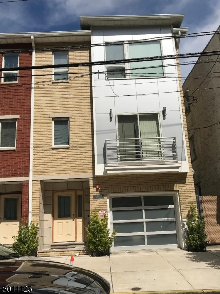 Photo of home for sale at 26 OXFORD ST, Newark City NJ
