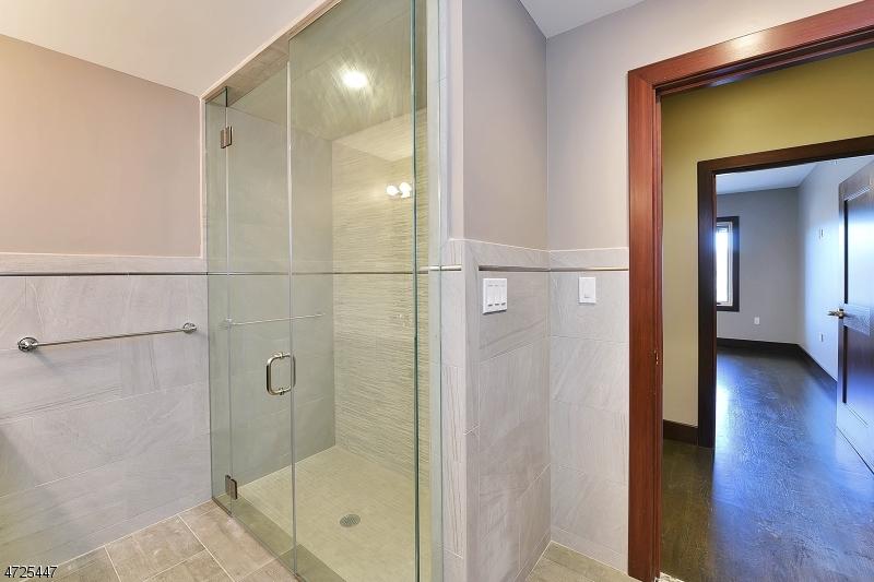 8 WHITEHALL RD Montville Twp., NJ 07082 - MLS #: 3398585