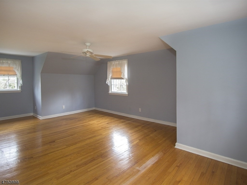 41 Dellwood Ave Chatham Boro, NJ 07928 - MLS #: 3422385