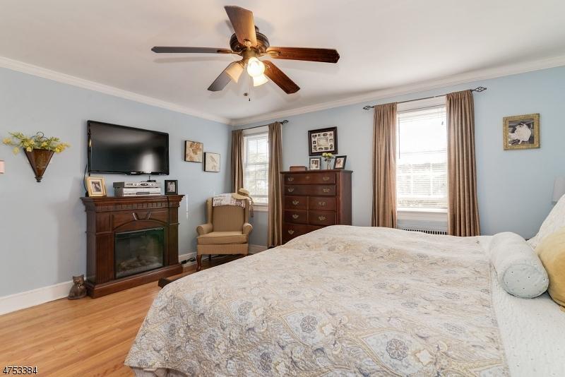 432 Essex Ave Bloomfield Twp., NJ 07003 - MLS #: 3424485