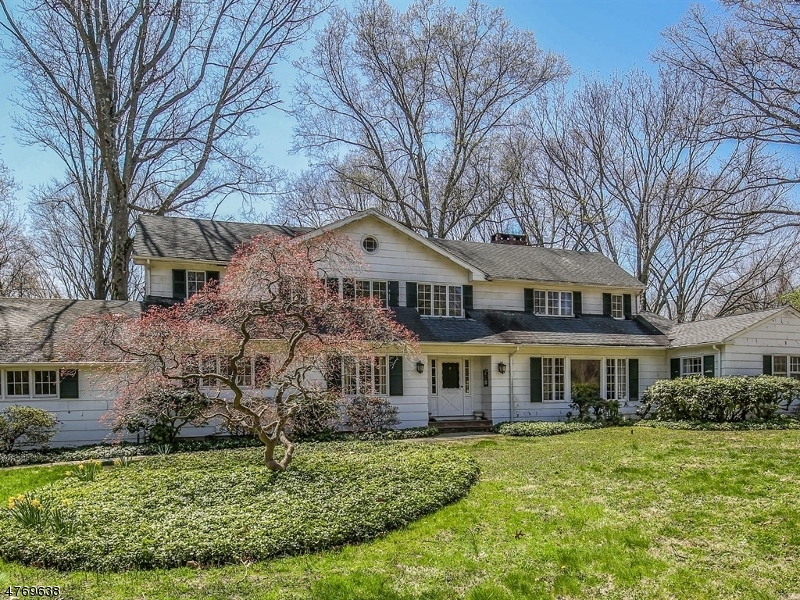 Photo of home for sale at 21 Sand Spring Rd, Harding Twp. NJ