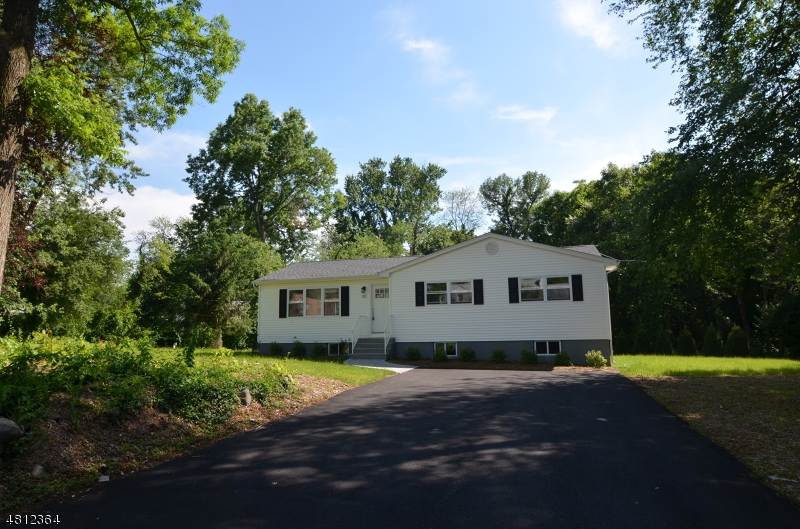 92 KLINGER RD East Hanover Twp., NJ 07936 - MLS #: 3478485