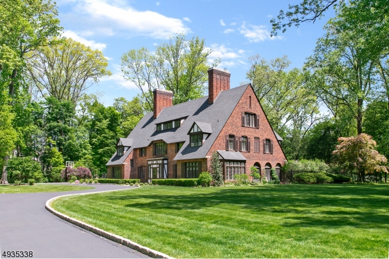 Photo of home for sale at 15 Fox Hollow Road, Morris Twp. NJ