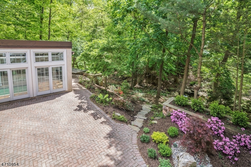 77 OLD HOLLOW ROAD Millburn Twp., NJ 07078 - MLS #: 3384986