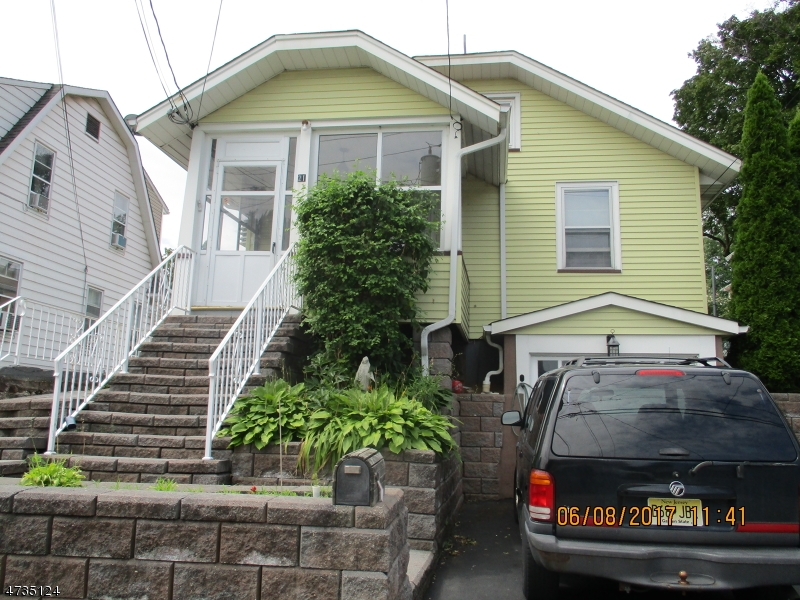 Photo of home for sale at 21 Hudson Ave, Totowa Boro NJ