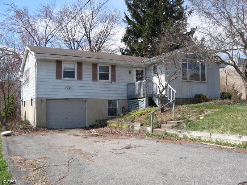 208 S 8th St Lopatcong Twp., NJ 08865 - MLS #: 3420886