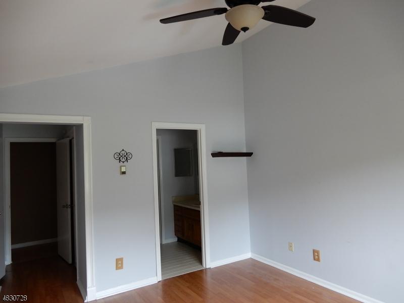 46 SPRUCE CT Bedminster Twp., NJ 07921 - MLS #: 3508286