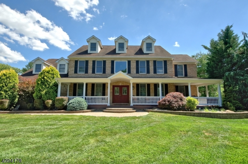 Photo of home for sale at 6 DEERFIELD TRL, South Brunswick Twp. NJ