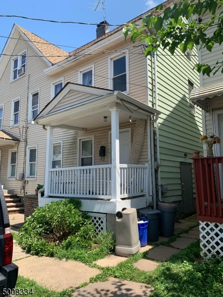 Photo of home for sale at 1751 OLIVER ST, Rahway City NJ