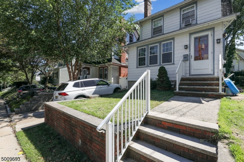 Photo of home for sale at 216 E PIERREPONT AVE, Rutherford Boro NJ
