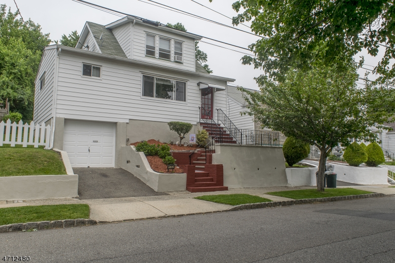 102 Ridge Ave, Bloomfield Township, NJ 07003