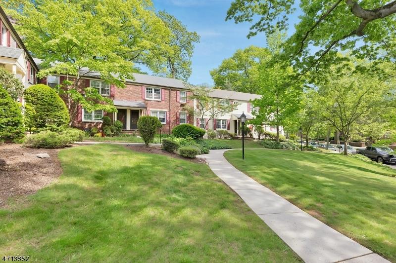 202 Lincoln Park E Cranford Twp., NJ 07016 - MLS #: 3464087