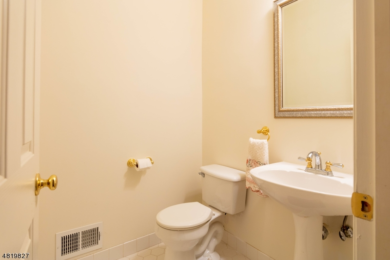4 REDMOND CT Bridgewater Twp., NJ 08807 - MLS #: 3485387