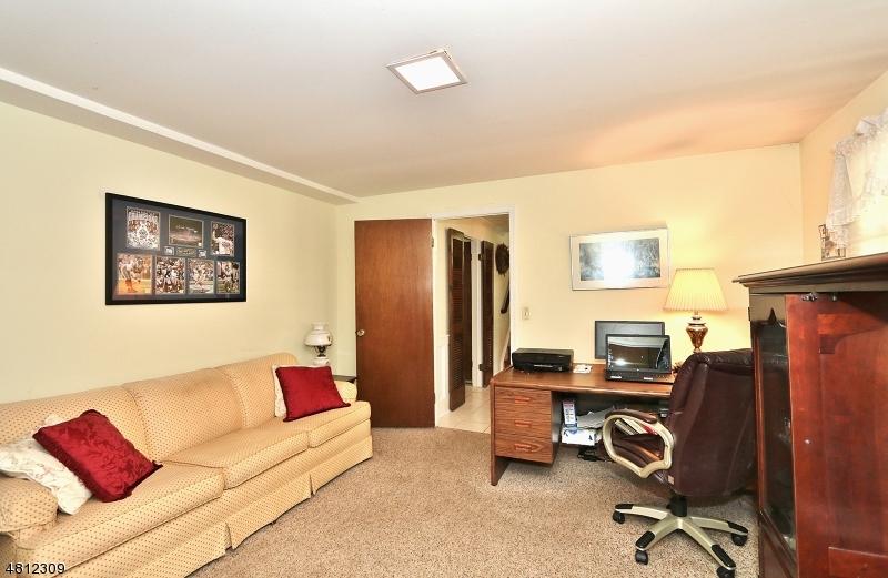 14 STONEHEDGE TER Sparta Twp., NJ 07871 - MLS #: 3478388