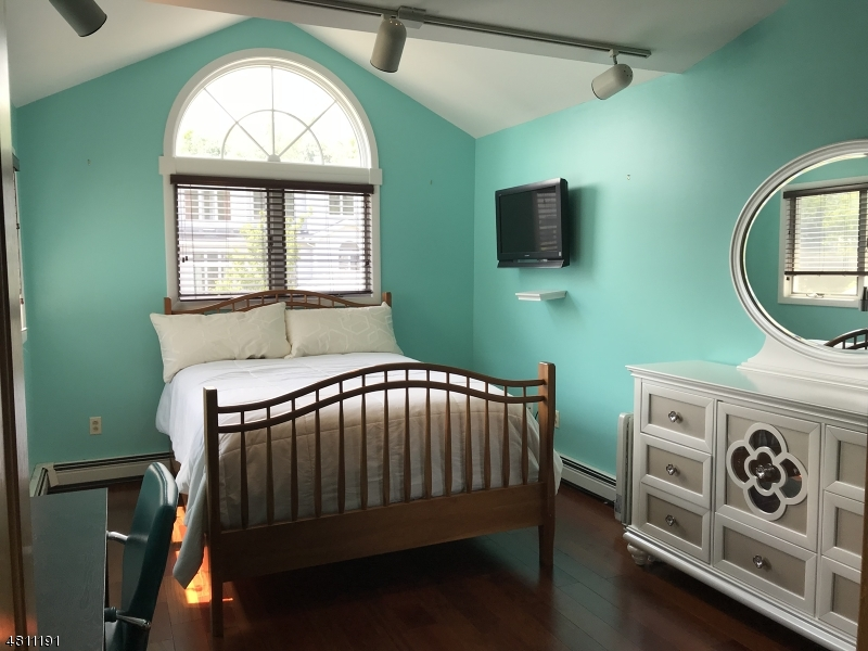 7 ST CHARLES AVE West Milford Twp., NJ 07421 - MLS #: 3478288