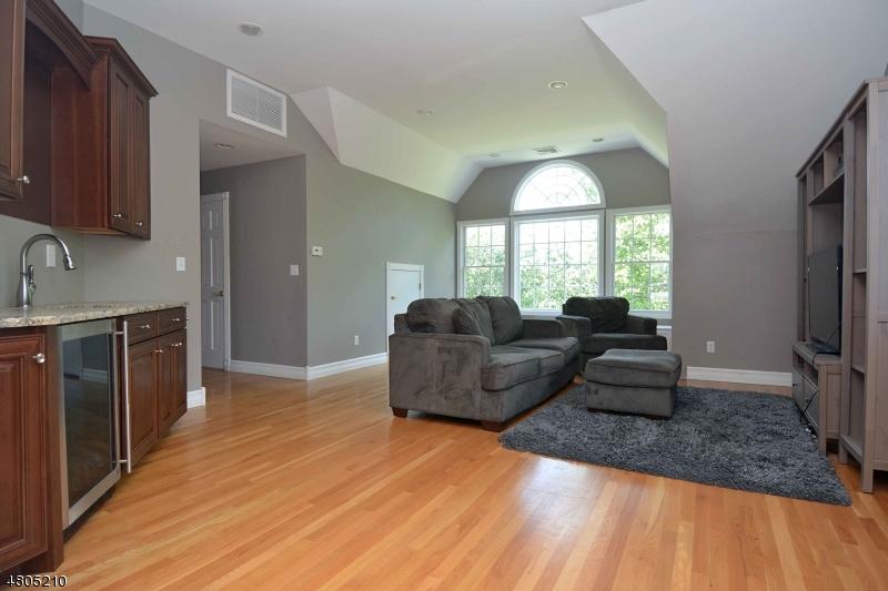 2 Sugar Hill Rd Kinnelon Boro, NJ 07405 - MLS #: 3483988