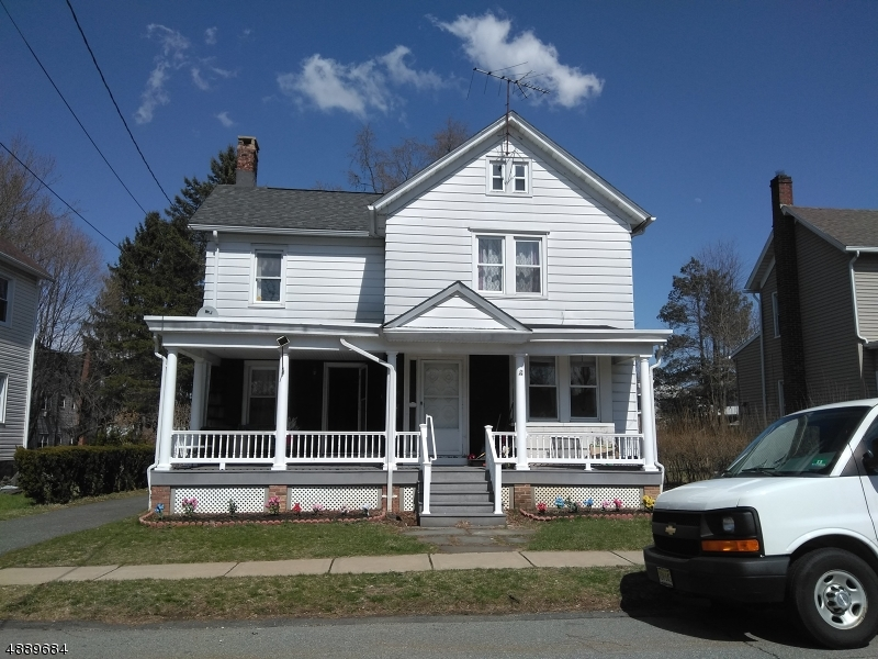 Photo of home for sale at 25 PALMER ST, Roxbury Twp. NJ