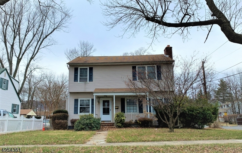 Photo of home for sale at 1367 E FRONT ST, Plainfield City NJ