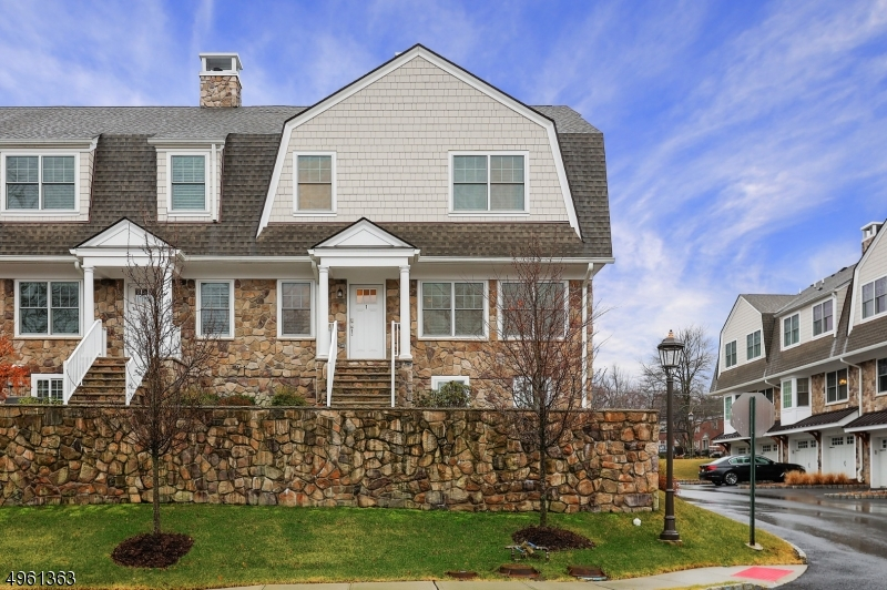 Photo of home for sale at 1 FOLEY SQ, New Providence Boro NJ