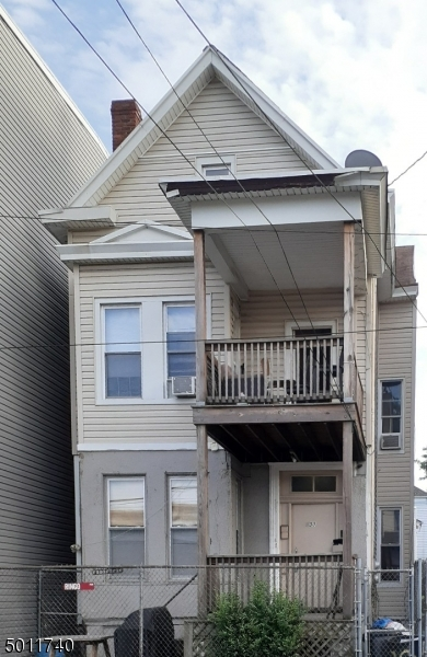 Photo of home for sale at 238 PARK AVE, Paterson City NJ