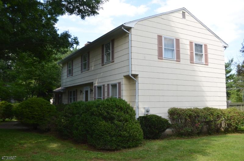 9 Heather Hill Way Clinton Twp., NJ 08833 - MLS #: 3404289