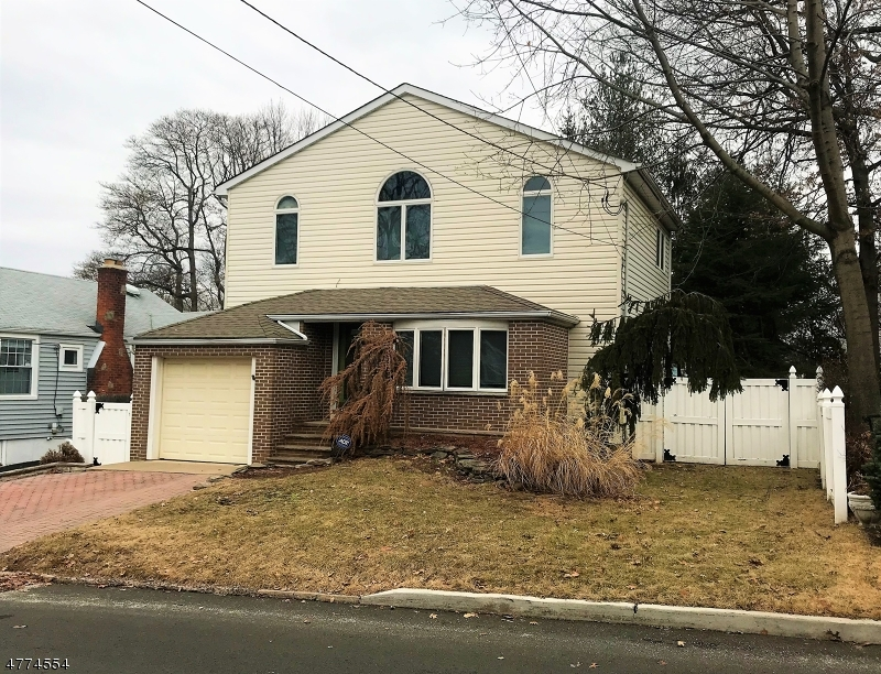 Photo of home for sale at 55 Franklin Ave, Hasbrouck Heights Boro NJ
