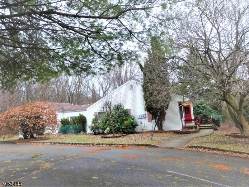Photo of home for sale at 14 CALAIS RD, Randolph Twp. NJ