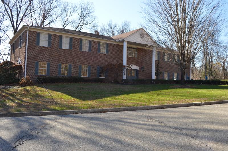 Photo of home for sale at 4 Manor Dr, UNIT 4, Hampton Boro NJ