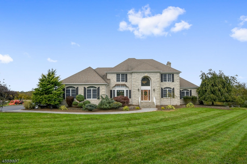 Photo of home for sale at 3 CASTLE HILL LN, Hillsborough Twp. NJ