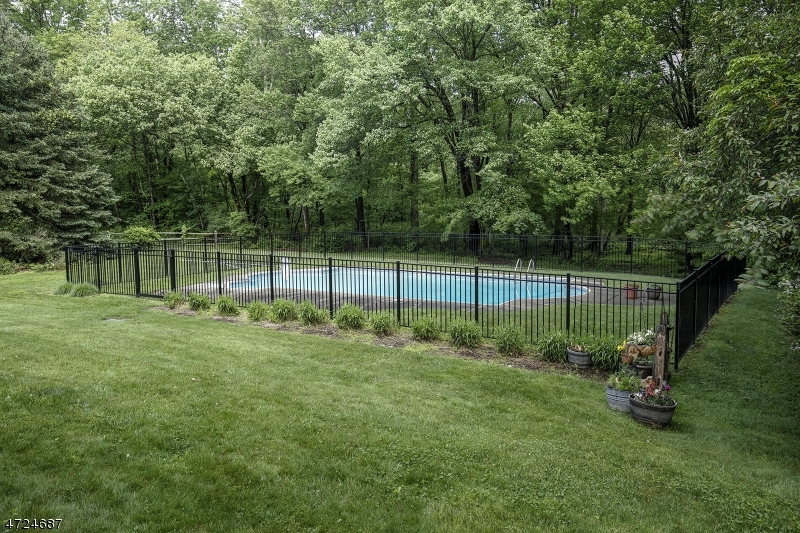 17 Chesterbrook Rd Chester Twp., NJ 07930 - MLS #: 3397991