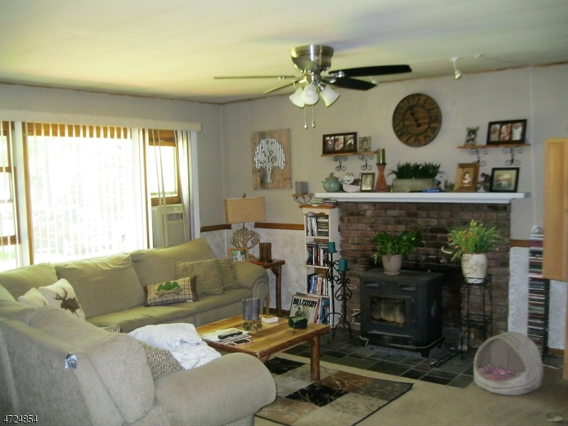 33 Lone Pine Trl Hampton Twp., NJ 07860 - MLS #: 3398191