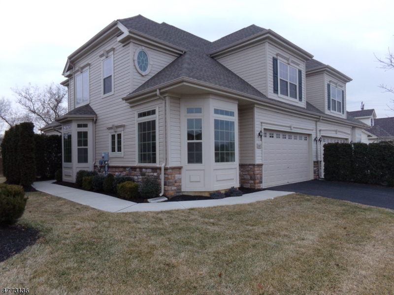 Photo of home for sale at 507 Edward St, Lopatcong Twp. NJ