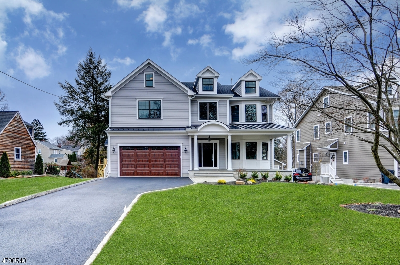 Photo of home for sale at 817 Willow Grove Rd, Westfield Town NJ