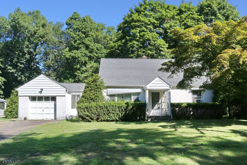 Photo of home for sale at 739 MOUNTAIN AVE, Wyckoff Twp. NJ