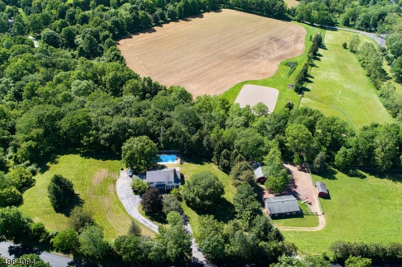 Photo of home for sale at 62 Potterstown Road, Tewksbury Twp. NJ