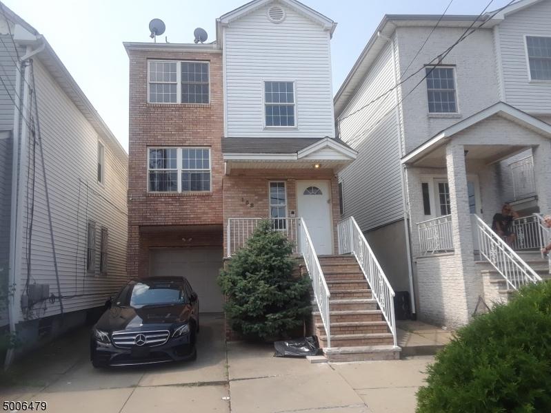 Photo of home for sale at 158 MAGNOLIA AVE, Elizabeth City NJ