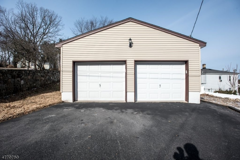 40 Center St Netcong Boro, NJ 07857 - MLS #: 3440292