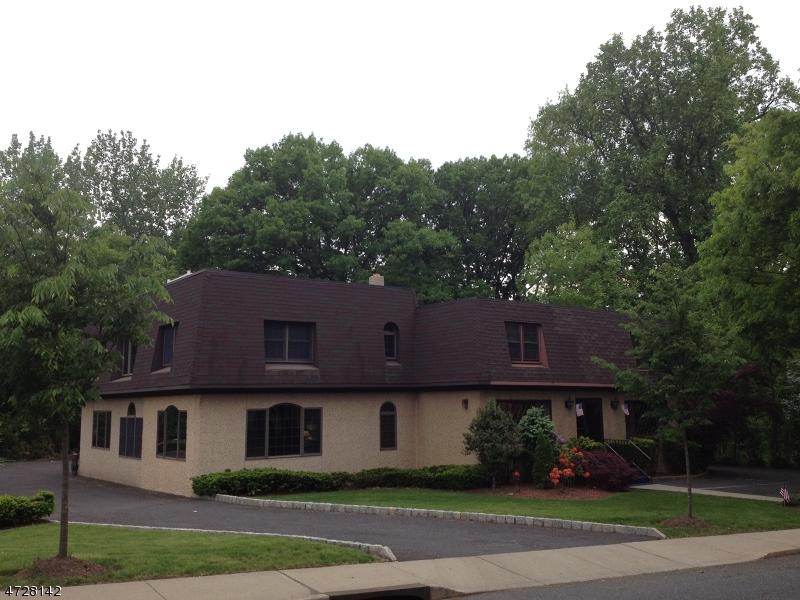 36 Farview Terrace Paramus Boro, NJ 07652 - MLS #: 3480392