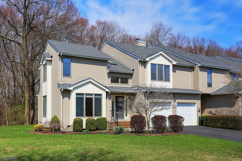 Photo of home for sale at 21 Raven Drive, Morris Twp. NJ