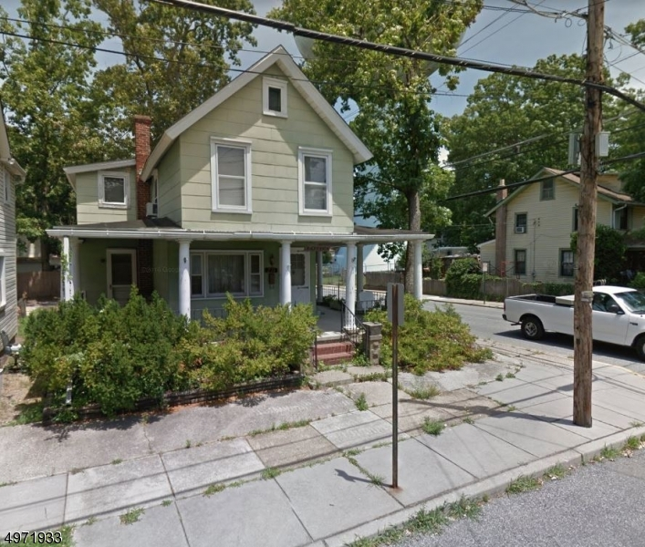 Photo of home for sale at 231 WEST AVE, Pitman Boro NJ