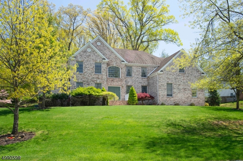 Photo of home for sale at 5 RIDGE RD, Green Brook Twp. NJ