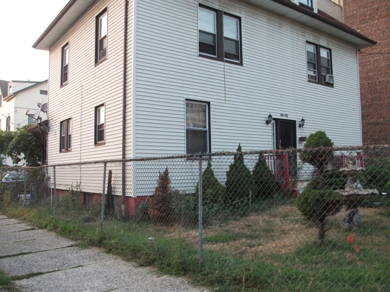 Photo of home for sale at 19 FABYAN PL, Newark City NJ