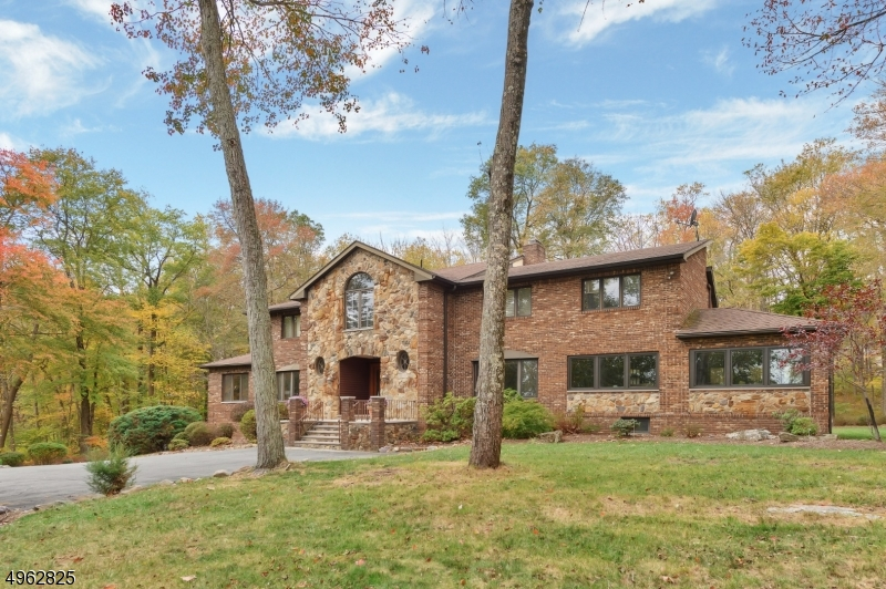 Property for sale at 5 Hillcrest Rd, Boonton Twp.,  New Jersey 07005
