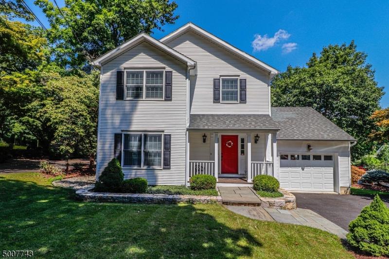Photo of home for sale at 73 MINE MOUNT RD, Bernardsville Boro NJ