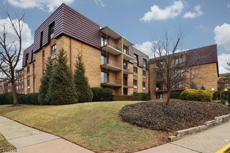 Property for sale at 22 Riverside Dr, Apt C6 Unit: 6, Cranford Twp.,  NJ  07016