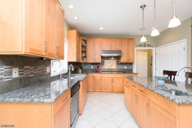 54 Briarwood Drive East Warren Twp., NJ 07059 - MLS #: 3458994