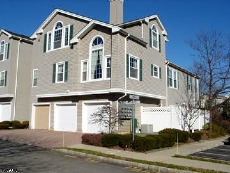 Photo of home for sale at 19 WITHERSPOON CT, Morris Twp. NJ