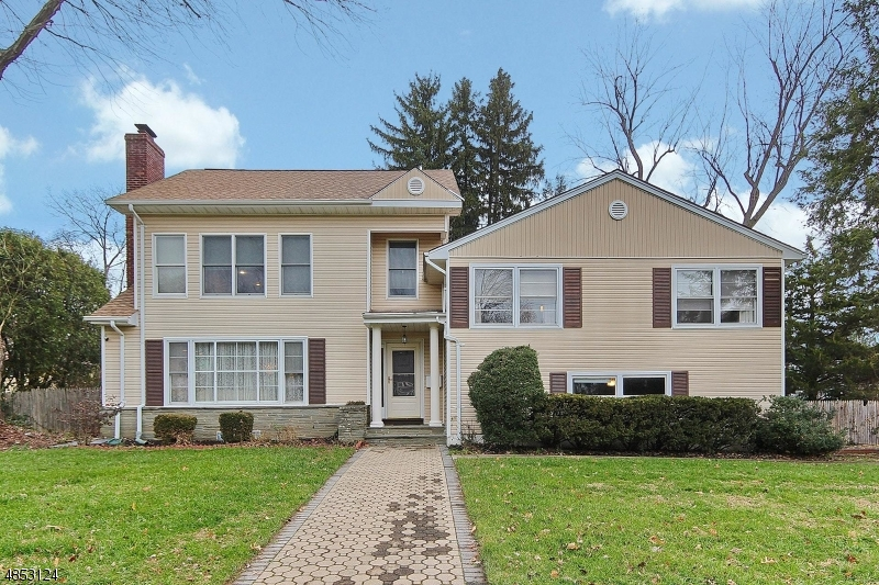 Photo of home for sale at 205 SUNSET AVE, Westfield Town NJ