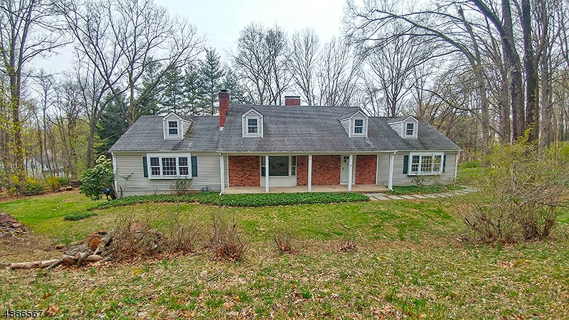 Photo of home for sale at 46 TOWER MOUNTAIN DR, Bernardsville Boro NJ
