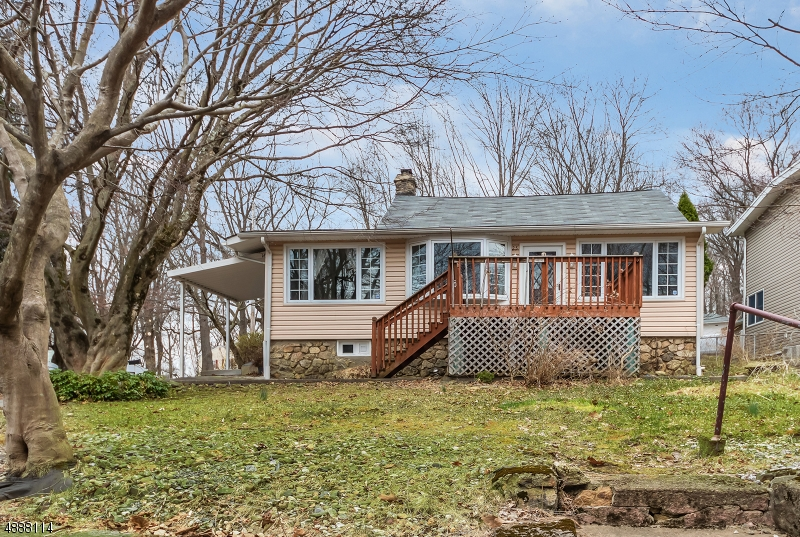 Photo of home for sale at 25 GOLD MINE RD, Mount Olive Twp. NJ